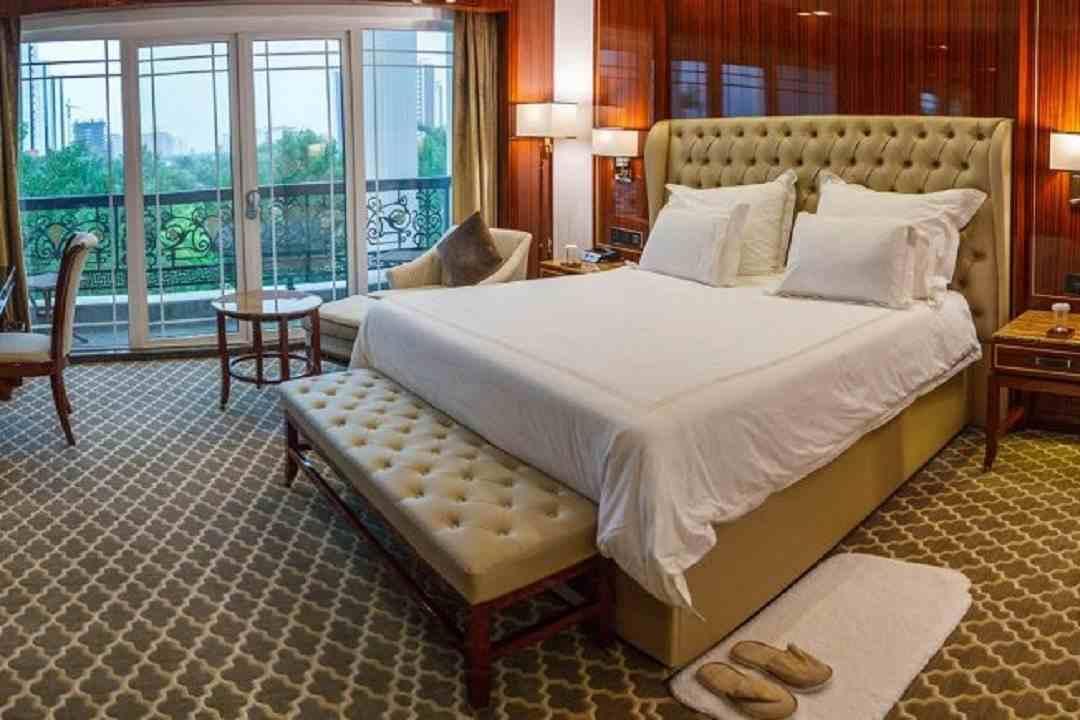 هتل داریوش کیش - حسین ثابت